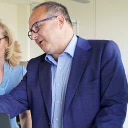 Tamar Müller, Svenja Krakau, Ernesto Schmutter, Christian Bedel - MRM Distribution